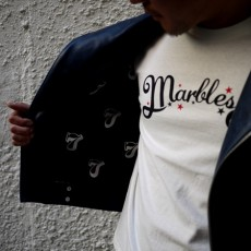 【CUORE 5周年 別注商品】【予約】【入荷3月末予定】Marbles(マーブルズ) / NEO-LOGO TEE (THE GAME IS NOT OVER YET) WHITE